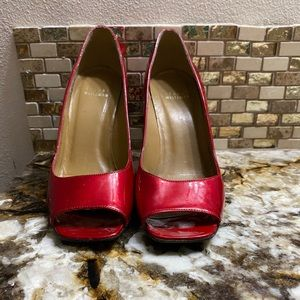 Stuart Weitzman red patent leather heels 7.5M